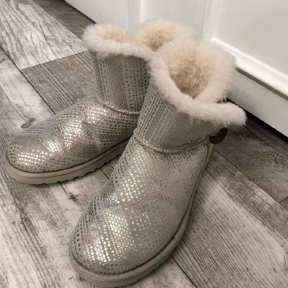 18404d3bf58 UGG-mini bailey button bling boot. Women size 6
